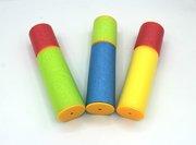 Wasserspritze aus Schaumstoff, farblich